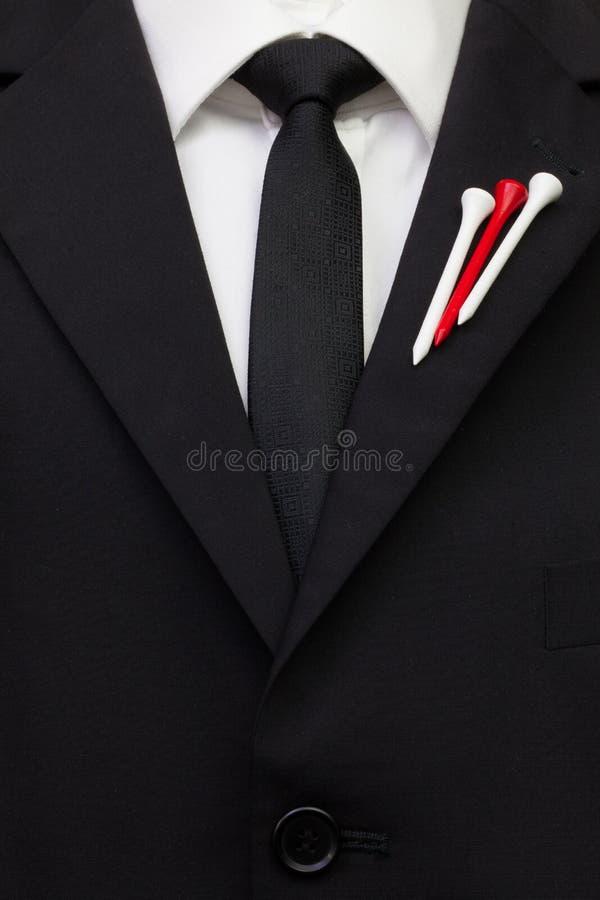 O detalhe de terno do casamento com projeto do golfe fotografia de stock