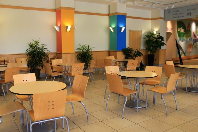 O detalhe interior disparou do espaço para refeições, Cleveland Botanical Garden, Ohio, 2016 fotografia de stock royalty free