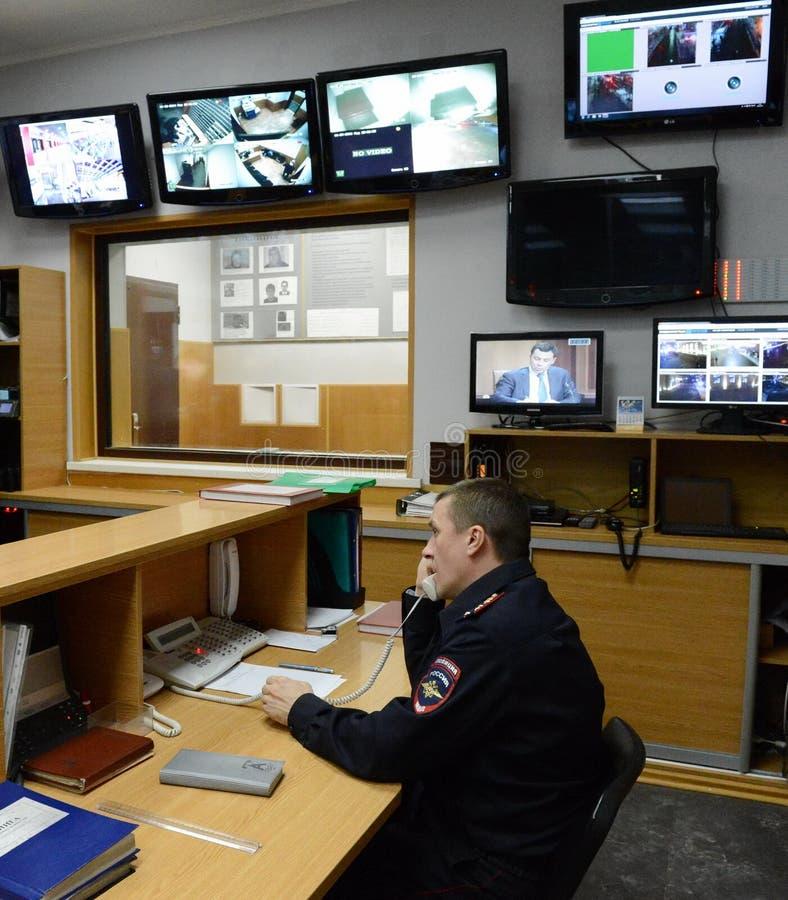O dever da polícia na estação de Paveletsky do capital fotografia de stock royalty free