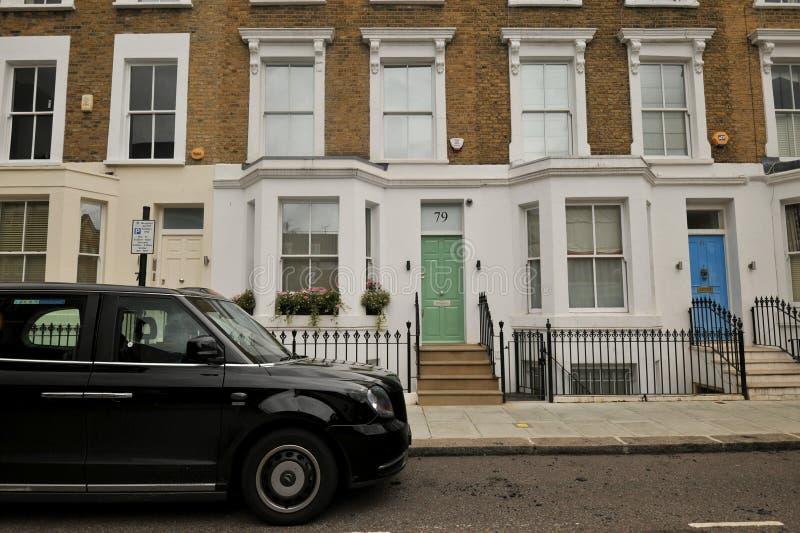 O distrito exclusivo de Chelsea em Londres, Inglaterra fotos de stock royalty free