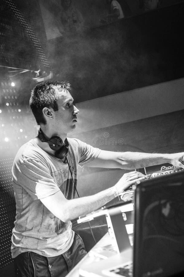 O DJ Eddie Halliwell executa no festival urbano da onda o 16 de abril de 2011 em Minsk, Bielorrússia imagem de stock royalty free