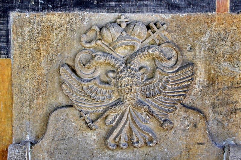 O dobro dirigiu o emblema da águia imagem de stock