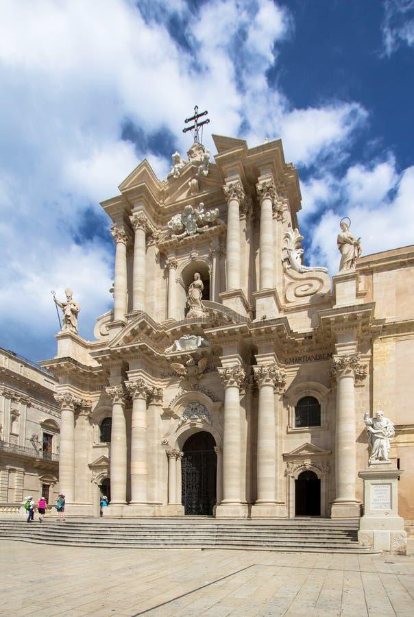 O domo da catedral em Siracusa, Sicília, Itália imagem de stock