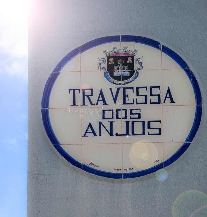O dos Anjos de Travessa significa Angel Alley Capturado em Loule, o Algarve, Portugal fotografia de stock royalty free