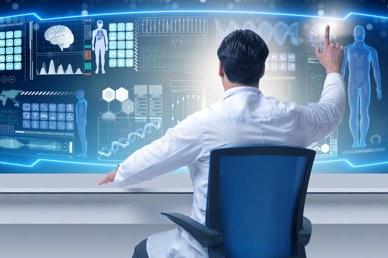 O doutor masculino no conceito médico futurista fotos de stock