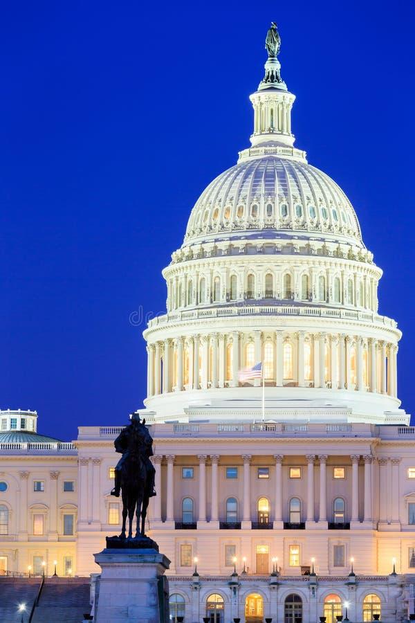 O edifício do Capitólio de Estados Unidos no Washington DC imagem de stock royalty free