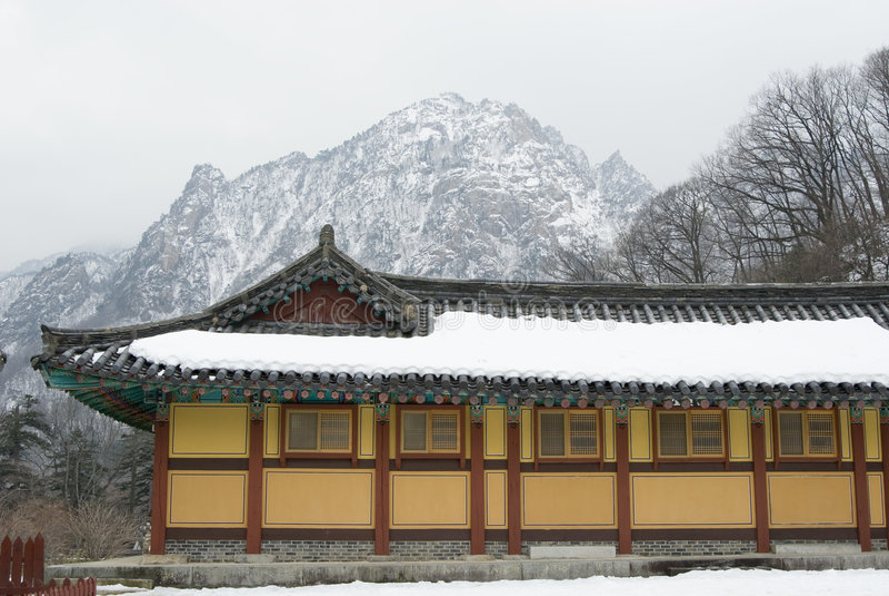 O edifício velho em Coreia do Sul fotos de stock