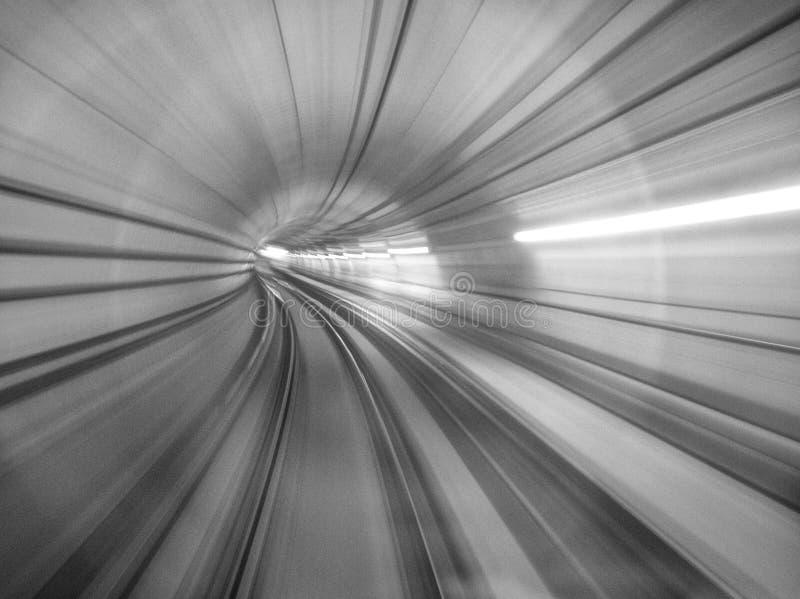 O efeito abstrato do movimento do MRT, imagem tiver a grão ou obscuro ou o ruído e foco macio quando vista na definição completa imagens de stock royalty free