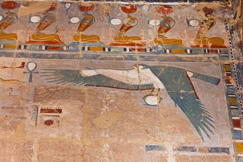 O egípcio arruina o voo do falcão fotos de stock