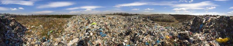 O eixo enorme de restos do tsunami ataca a floresta fotografia de stock royalty free