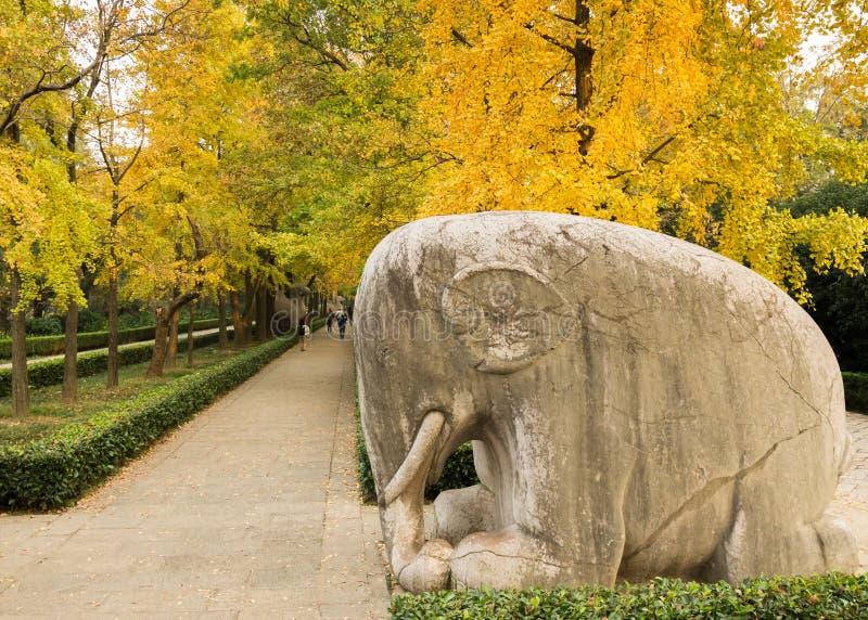 O elefante de pedra fotos de stock