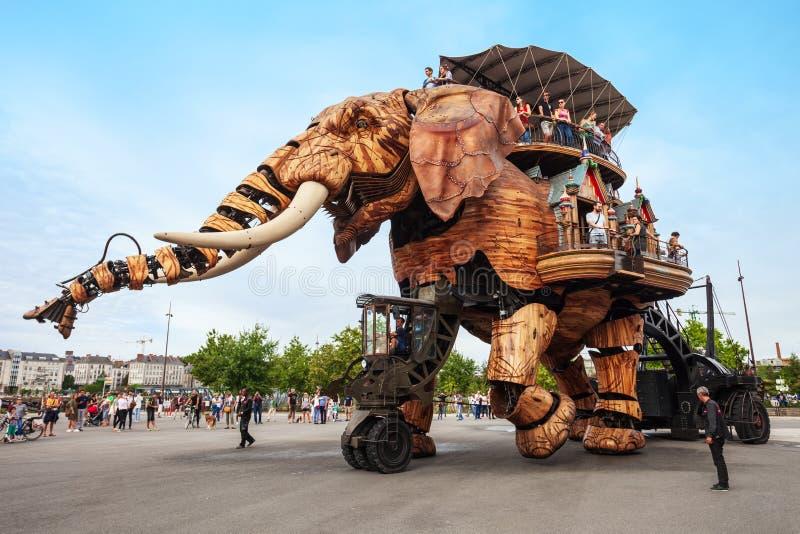 O elefante faz ? m?quina a ilha de Nantes imagem de stock