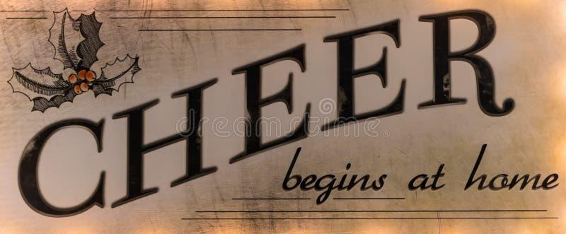 O elogio começa na casa um provérbio que seja esquecido frequentemente imagem de stock