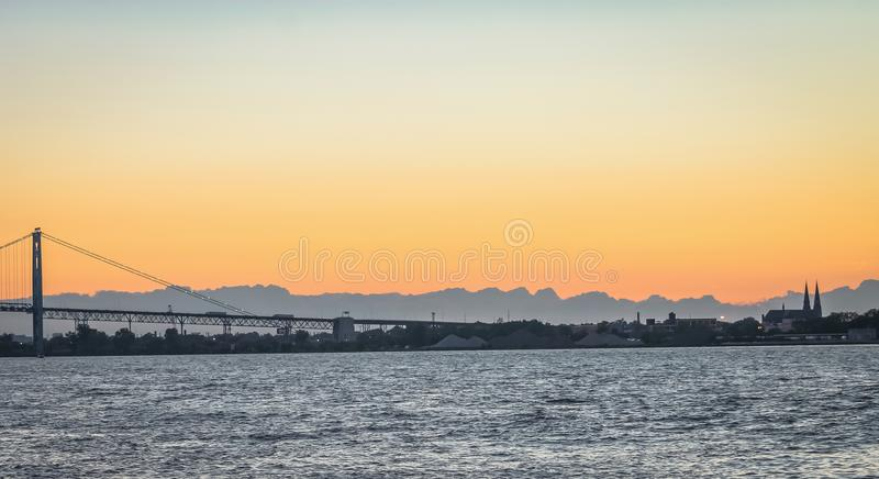 O embaixador Bridge fotografia de stock royalty free
