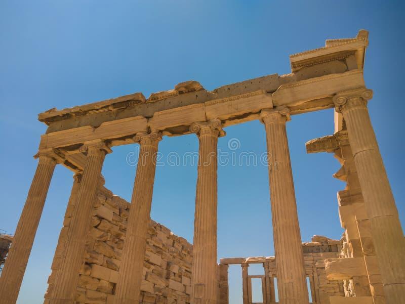 O Erechtheion ou o Erechtheum são um templo do grego clássico imagem de stock royalty free