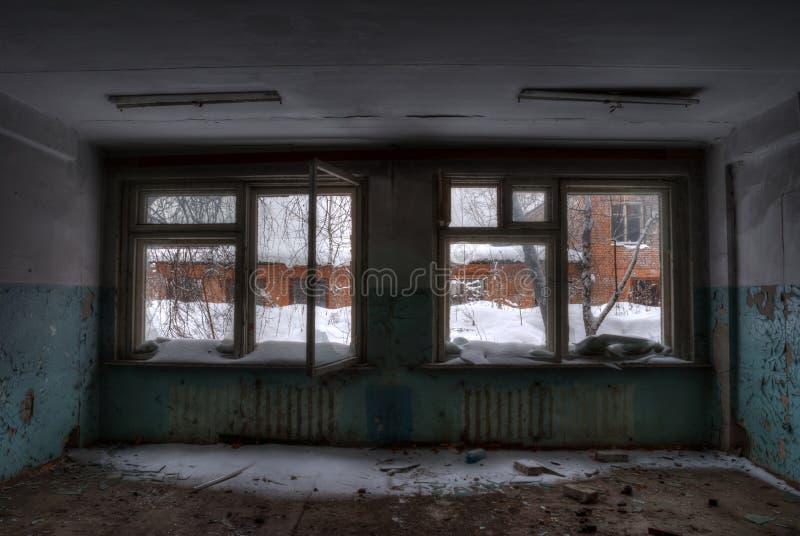 O escritório na fábrica abandonada imagem de stock royalty free