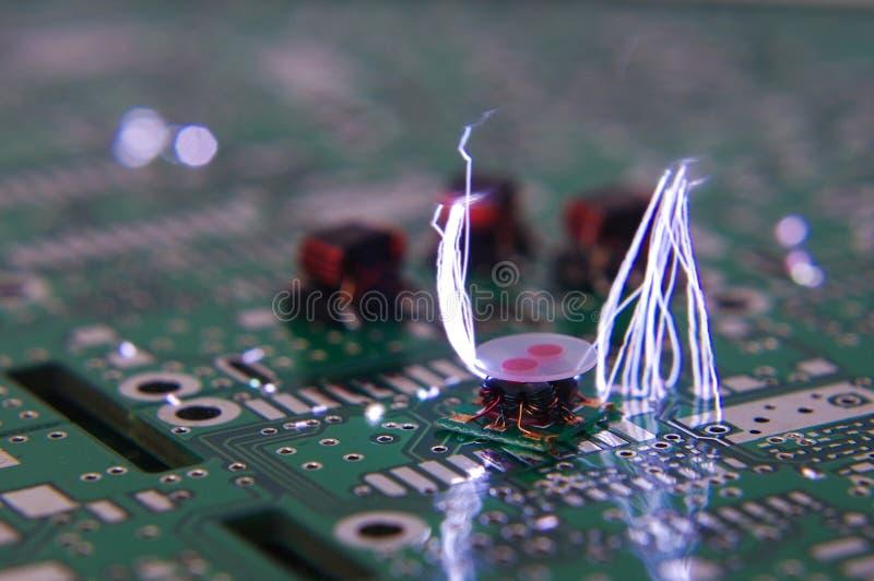 O ESD acende sobre componentes da eletrônica do RF foto de stock royalty free