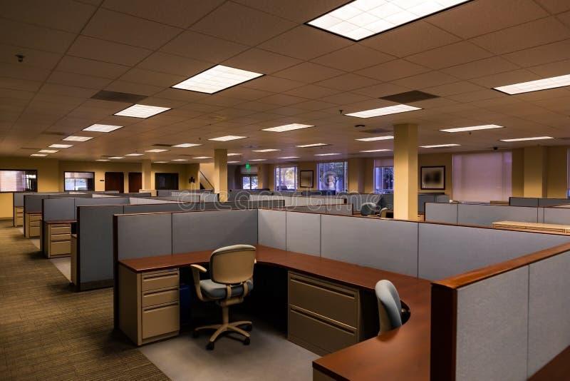 O espaço de escritórios vazio foto de stock royalty free