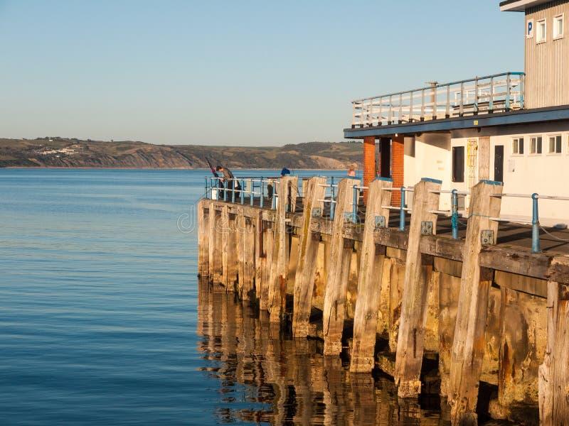 o espaço Dorset do oceano das ondas do mar da praia do por do sol do weymouth bonito vie imagens de stock royalty free