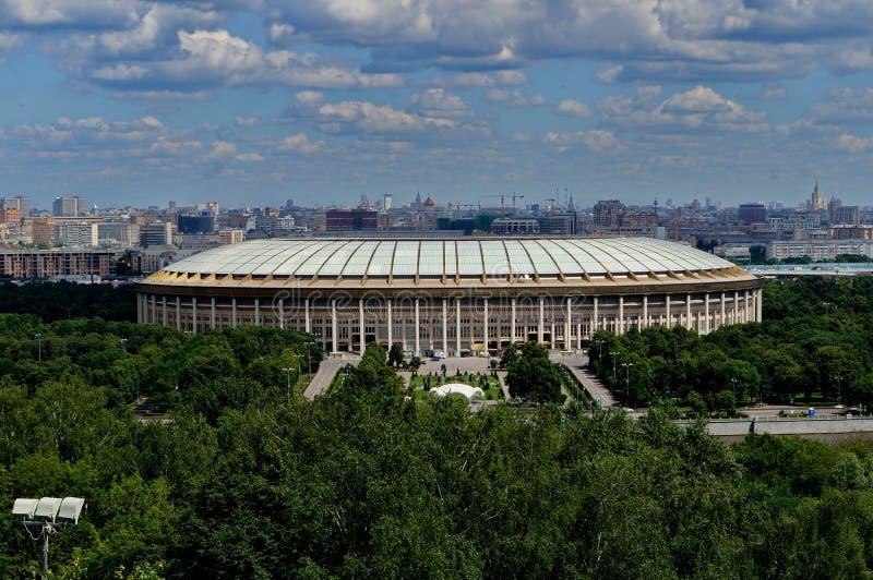 O estádio de Luzhniki em Moscou imagens de stock