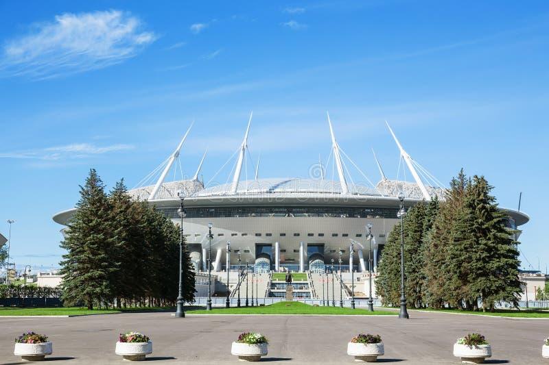 O estádio de St Petersburg do futebol & o x28 novos; Krestovsky& x29; em St Petersburg imagem de stock