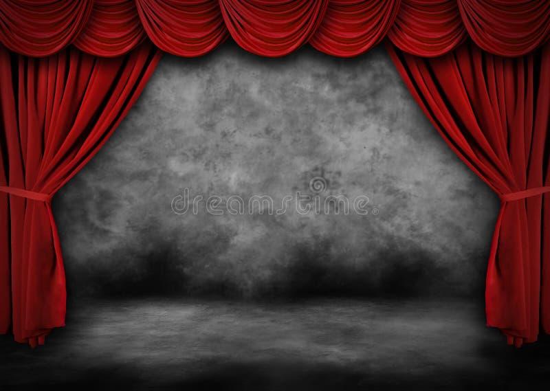 O estágio pintado do teatro de Grunge com veludo vermelho drapeja fotos de stock royalty free