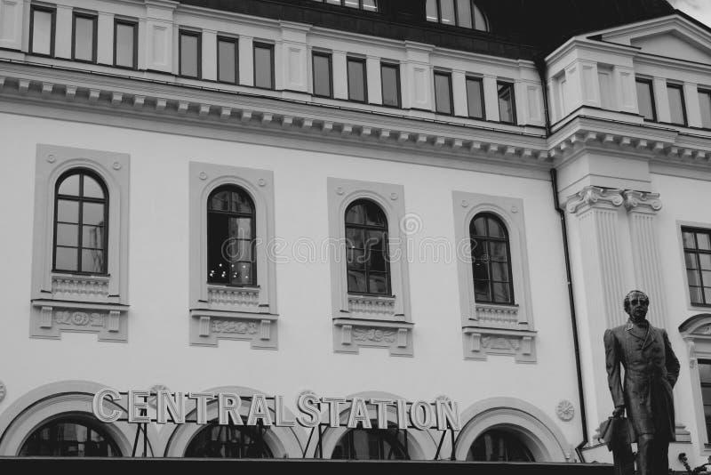 O estação de caminhos-de-ferro central de Éstocolmo em b/w, Suécia fotografia de stock royalty free