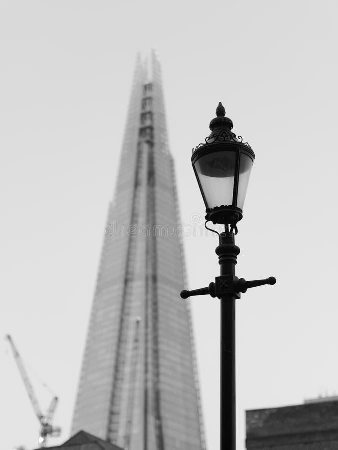 O estilhaço e a luz de rua vitoriano velha fotografia de stock royalty free