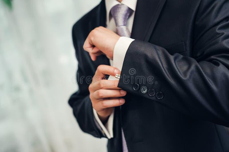 O estilo do homem. terno, camisa e gravata de molho fotografia de stock royalty free
