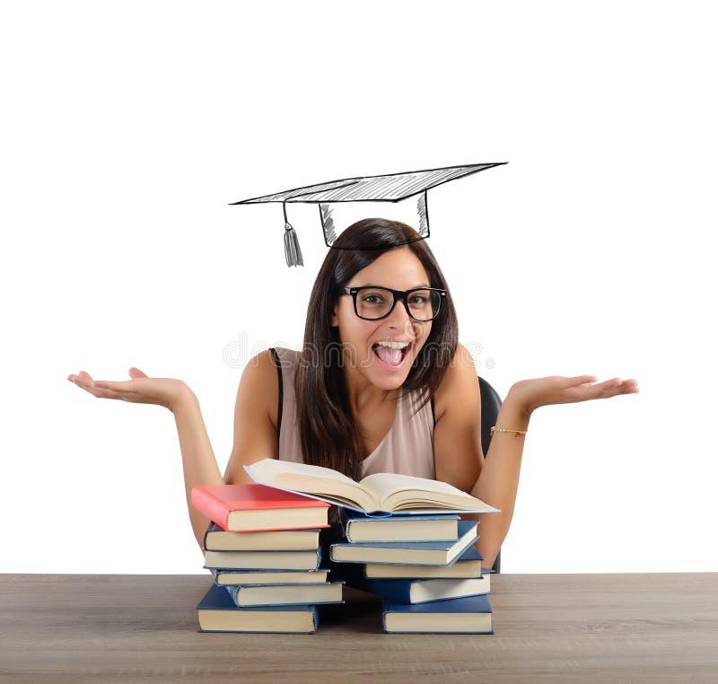 O estudante chega na graduação imagens de stock royalty free