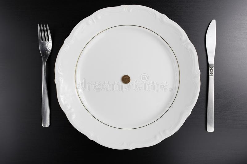 O Euro inventa o conceito comer do dinheiro Nada comer Comendo o dinheiro imagens de stock