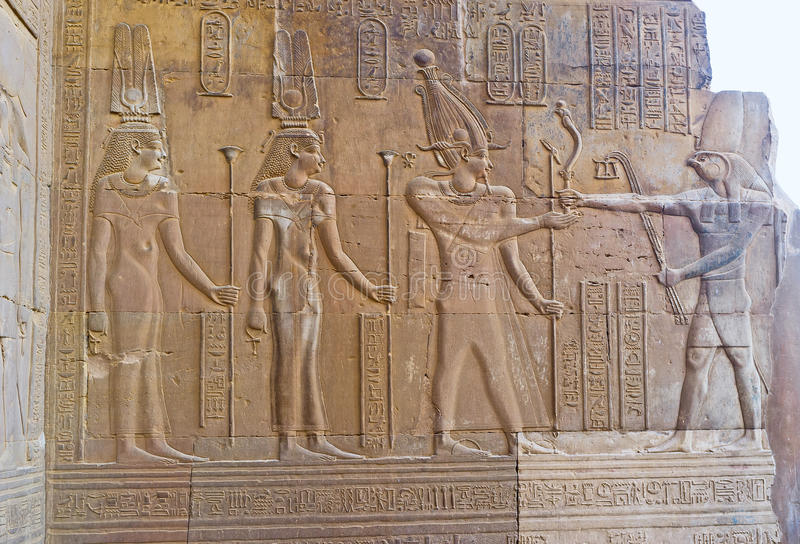 O faraó e o deus Horus fotografia de stock royalty free