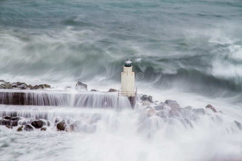 O farol de Camogli durante uma tempestade foto de stock royalty free