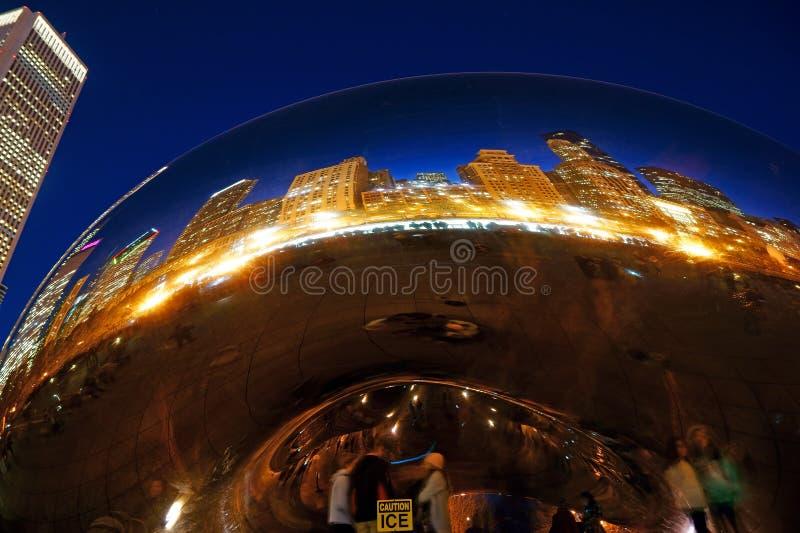 O feijão na noite, EUA de Chicago fotos de stock