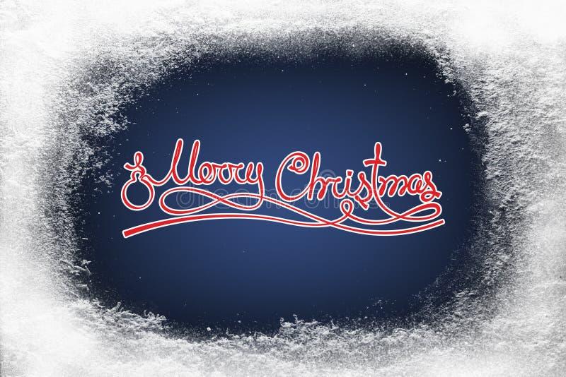 O Feliz Natal text na geada azul da neve do fundo e da geada na janela do xmas ilustração royalty free