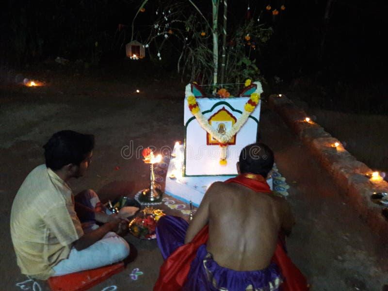O festival do vivah de Tulsi comemora no goa fotografia de stock