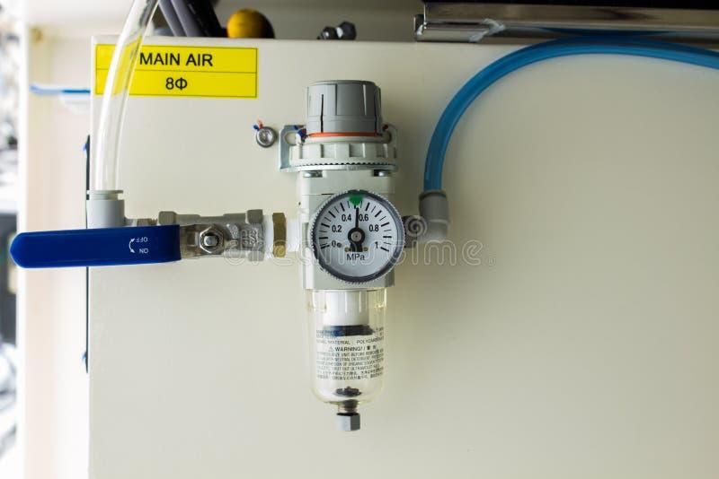O filtro de ar usado no sistema pneumático imagens de stock