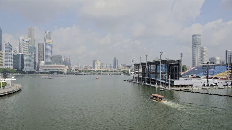 O flutuador em Marina Bay fotografia de stock