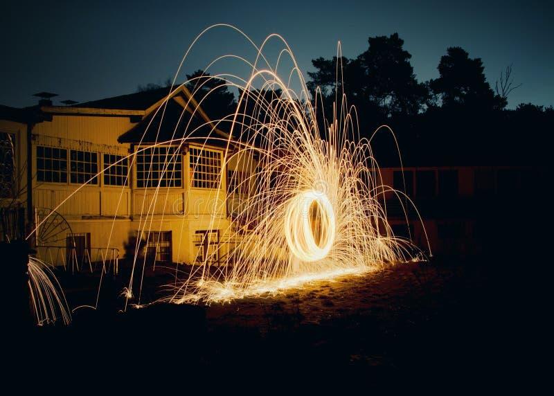 O fogo de pulverização fotos de stock
