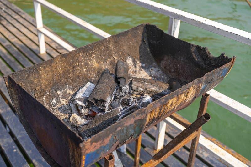 O fogo do BBQ da carne do assado do bife da carne da grade grelhou quente fotografia de stock