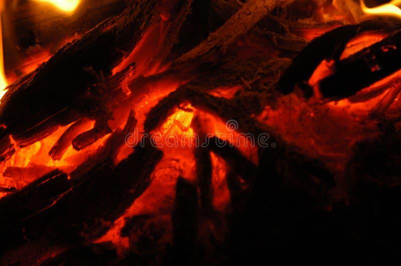 O fogo na noite foto de stock