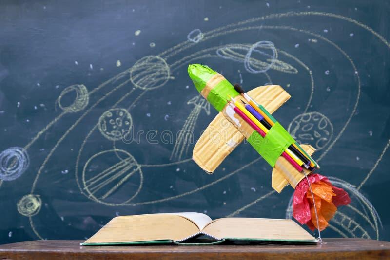 O foguete feito do papel foto de stock