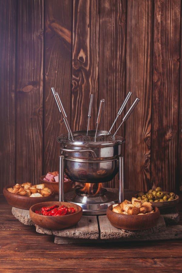 O fondue de queijo imagem de stock royalty free