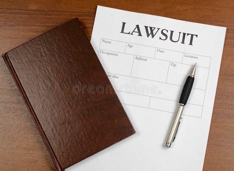 O formulário do processo legal está na tabela fotografia de stock royalty free