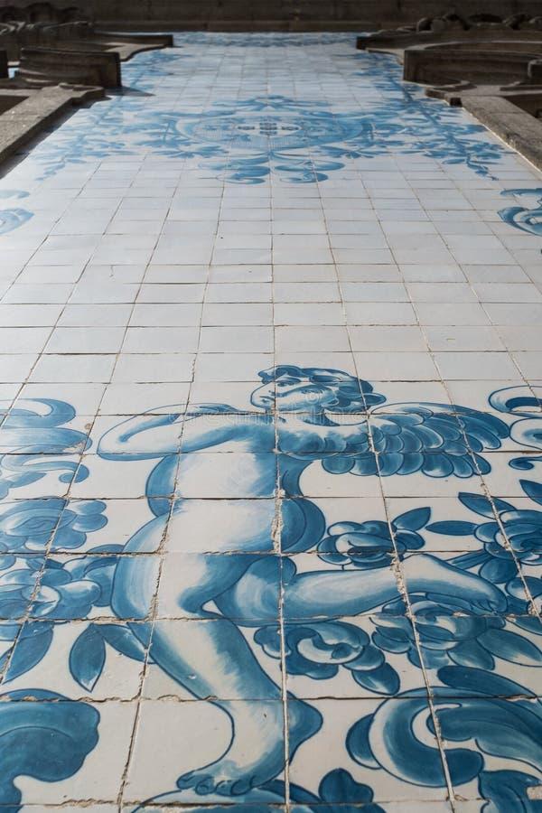 O fragmento da parede de Igreja faz Carmo em Porto, Portugal foto de stock royalty free