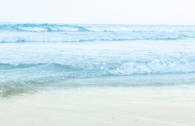 O fundo aéreo da superfície azul do mar da água do oceano fotografia de stock