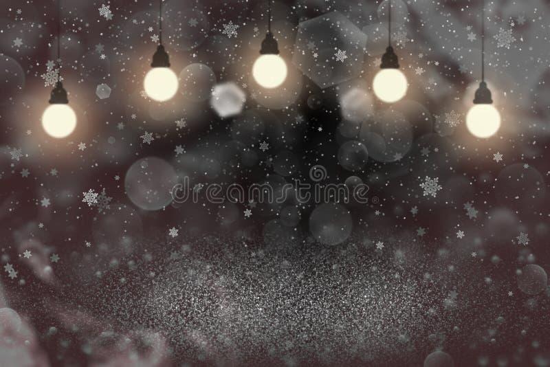 O fundo abstrato de brilho bonito vermelho do bokeh defocused das luzes do brilho com ampolas e os flocos de queda da neve voam,  ilustração stock