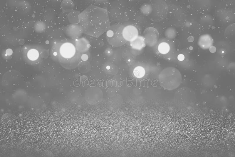 O fundo abstrato do bokeh defocused brilhante maravilhoso das luzes do brilho com os flocos de queda da neve voa, textura comemor ilustração stock