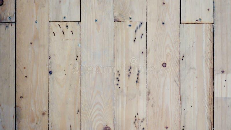 O fundo branco do sumário do estilo antigo da placa de madeira objeta para a mobília os painéis de madeira são usados então fotografia de stock royalty free