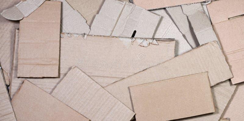 O fundo das texturas de papel empilhou pronto para reciclar Um bloco do cartão velho do escritório para reciclar da papelada Pilh fotos de stock royalty free